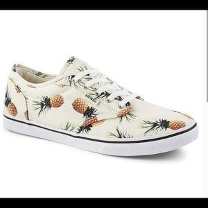 Vans Atwood Pineapple Print Canvas Shoes. Size 9